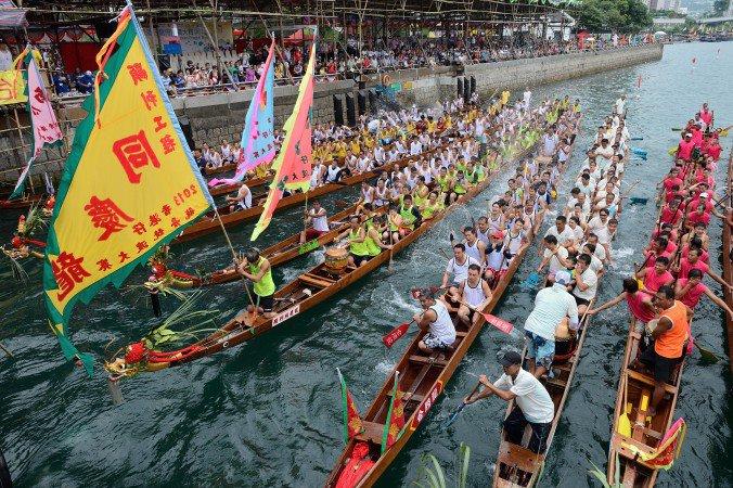 HK2013AberdeenDragonBoatRace-BySong+Xianglong-Jun12-1-676x450