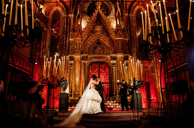 Draculas-Castle-Weddings4