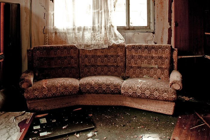 old-sofa.jpg